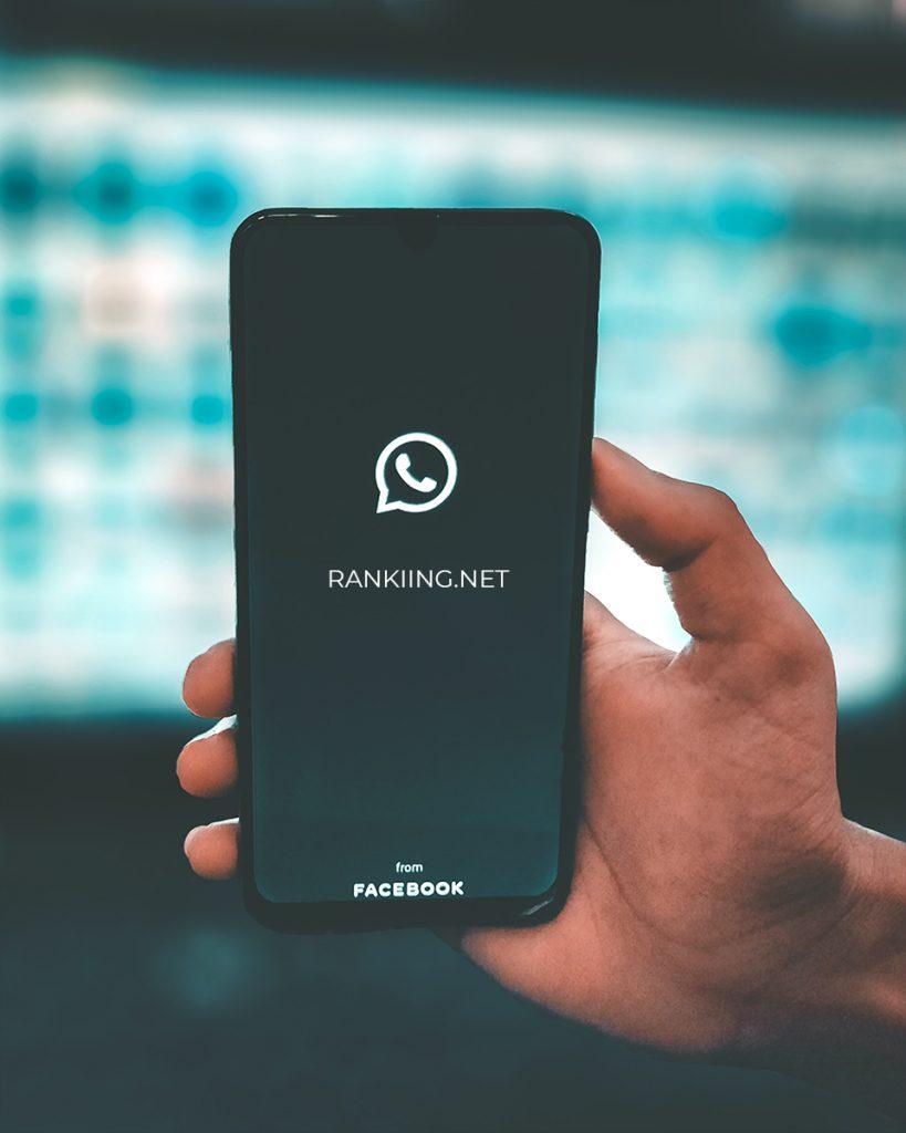 Comment rendre WhatsApp toujours en ligne - Android et iPhone